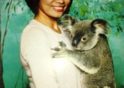gold-coast-koala-cuddle